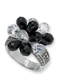 weißer und schwarzer Ring