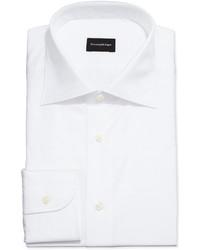 weißes Businesshemd mit Karomuster