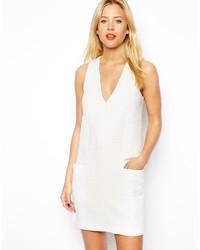 weißes gerade geschnittenes Kleid mit Reliefmuster von Asos