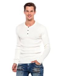 weißes Langarmshirt mit einer Knopfleiste von Cipo & Baxx