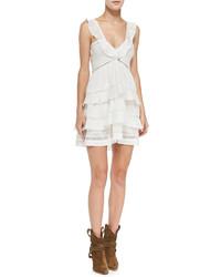 weißes schwingendes Kleid mit Rüschen
