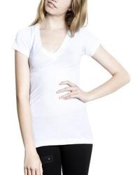 weißes T-Shirt mit einem V-Ausschnitt von LnA