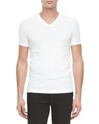 weißes T-Shirt mit V-Ausschnitt