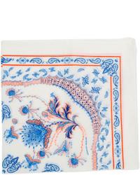 weißes und blaues bedrucktes Einstecktuch