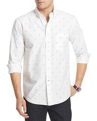 weißes und blaues bedrucktes Langarmhemd