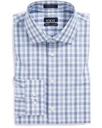 weißes und blaues Businesshemd mit Schottenmuster
