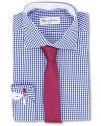 weißes und blaues Businesshemd mit Vichy-Muster