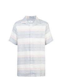 weißes und blaues horizontal gestreiftes Kurzarmhemd