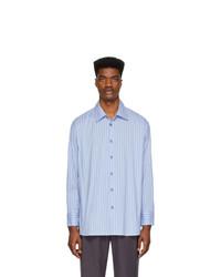 weißes und blaues vertikal gestreiftes Langarmhemd von Andersson Bell