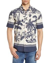weißes und dunkelblaues bedrucktes Kurzarmhemd