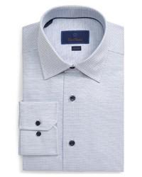 weißes und dunkelblaues Businesshemd mit Karomuster