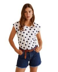 weißes und dunkelblaues gepunktetes T-Shirt mit einem Rundhalsausschnitt von Mango