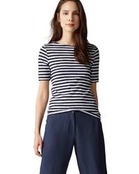 weißes und dunkelblaues horizontal gestreiftes T-Shirt mit einem Rundhalsausschnitt von Marc O'Polo