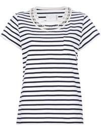 weißes und dunkelblaues T-Shirt mit einem Rundhalsausschnitt