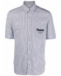 weißes und dunkelblaues vertikal gestreiftes Kurzarmhemd von Alexander McQueen