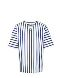 weißes und dunkelblaues vertikal gestreiftes T-Shirt mit einem Rundhalsausschnitt