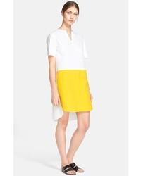 weißes und gelbes gerade geschnittenes Kleid