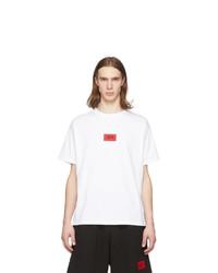 weißes und rotes bedrucktes T-Shirt mit einem Rundhalsausschnitt von 424