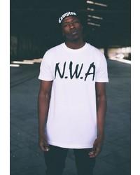 weißes und schwarzes bedrucktes T-Shirt mit einem Rundhalsausschnitt von MisterTee