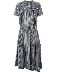 weißes und schwarzes Freizeitkleid mit Vichy-Muster