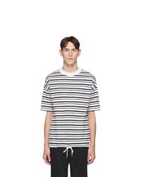 weißes und schwarzes horizontal gestreiftes T-Shirt mit einem Rundhalsausschnitt von BOSS