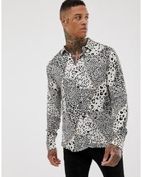 weißes und schwarzes Langarmhemd mit Leopardenmuster von Pull&Bear
