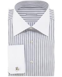 Weißes und schwarzes vertikal gestreiftes Businesshemd